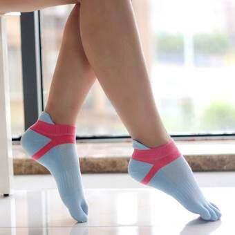 Velishy ผ้าฝ้ายถุงเท้านิ้วเท้าถุงเท้ากีฬาระบายอากาศได้ 1 XPairs สีดำ-