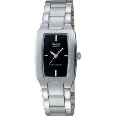 ซื้อ Casio นาฬิกาข้อมือผู้หญิง สีเงิน สายสเตนเลส รุ่น Ltp 1165A 1Cdf ใน Thailand