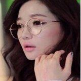 ราคา Mahkazi แว่นตากรองแสง แว่นกันแดดผู้หญิง แว่นตาแฟชั่น แว่นตาญี่ปุ่น แว่นตาแฟชั่นญี่ปุ่น แว่นตาแฟชั่นกันแดดผู้หญิง รุ่นNaga23 เลนส์ใสกรองแสงทรงกลมกรอบสีนาค ใน กรุงเทพมหานคร