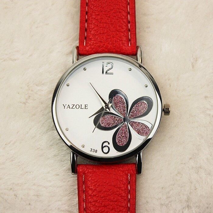 ฿119.00; Yazole หน้าปัดสเตนเลสกันน้ำลายดอกไม้นาฬิกาหนัง - สีแดง -