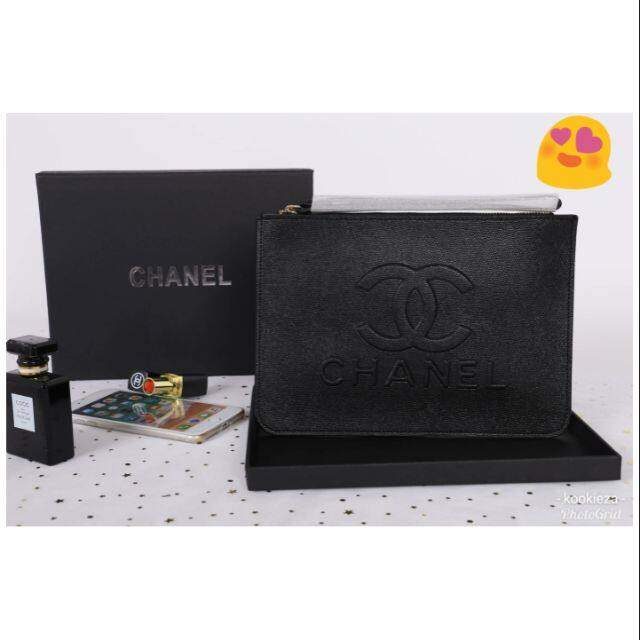 Chanel Caviar Leather Top Zip Clutch Bag With Gift Box.