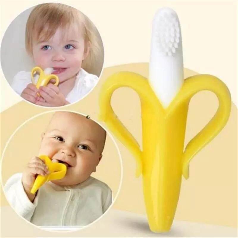 แปรงฟันเด็กรูปกล้วยหอม ผลิตจากซิลิโคนทั้งชิ้น เนื้อนิ่ม อ่อนโยนต่อผิวเด็ก ช่วยฝึกเด็กให้แปรงฟันเองได้.