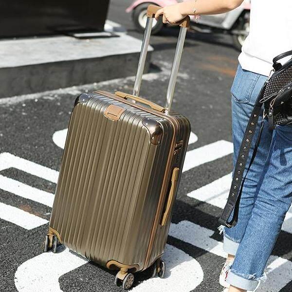 กระเป๋าเดินทางรุ่นclassy20/24/26/28นิ้ว รุ่นซิป วัสดุabs+pcแข็งแรงทนทาน.