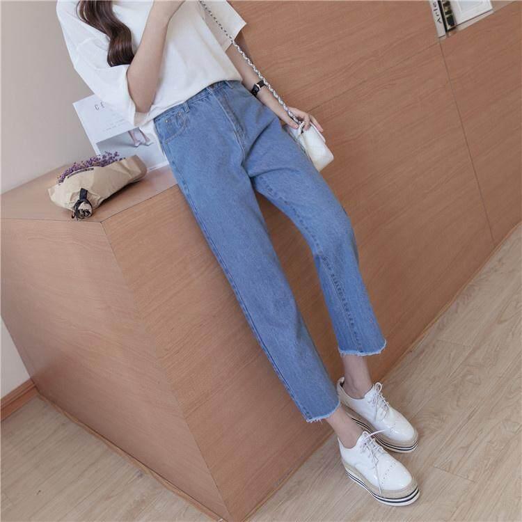 M Fashion กางเกงยีนส์ผู้หญิง แต่งขาดเหนือเข่า ปล่อยปลายขารุ่ย (สียีนส์อ่อน) รุ่น 807 By M Fashion Shop.