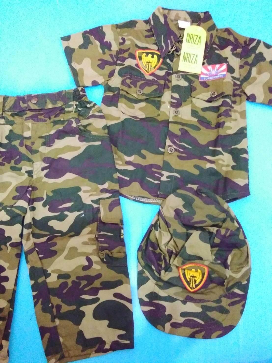 ชุดทหารรุ่นจิ๋ว(เสื้อแขนสั้น+กางเกงขายาว)มาแล้วจ้าชุดอาชีพในฝันน้องๆ เนื้อผ้าใส่สบายไม่หนามากนะคะ นน.8-15 โลค่ะ มีของเล่นชุดแถมมาในแพคด้วย (สินค้าพร้อมส่ง).