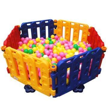 คอกกั้นเด็ก  รั้วพลาสติก 3 สีอุปกรณ์สำหรับเด็ก เฟอร์นิเจอร์ที่นอนสำหรับเด็ก ของเล่นสะสม ของเล่นเสริมพัฒนาการ  ของเล่นสำหรับเด็ก ราคาถูก.