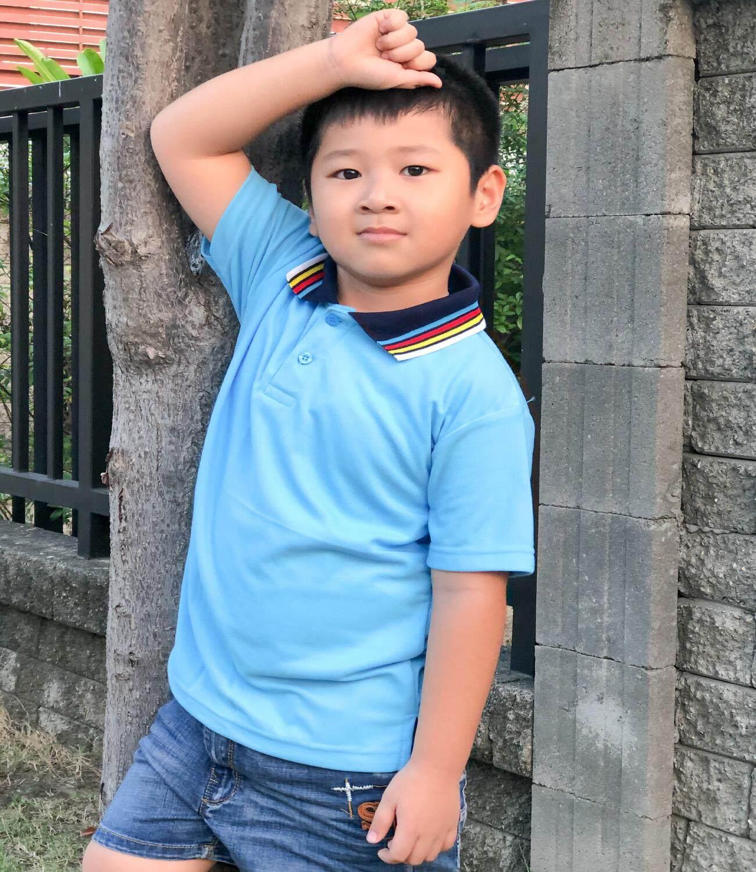 เสื้อโปโลเด็ก สีฟ้าอ่อน คอปกหลากสี