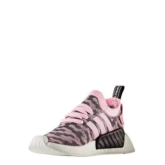 Adidas Women Originals Nmd_r2 Primeknit สี By9521 (สีดำ-ชมพู) ของแท้ By Iconic_shoes.