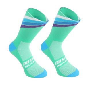 DH SPORTS Pro Best Sports Socks Windproof Warm Weather Tall Cycling Socks Crazy Basketball Running Athletic Defeet Socks thumbnail