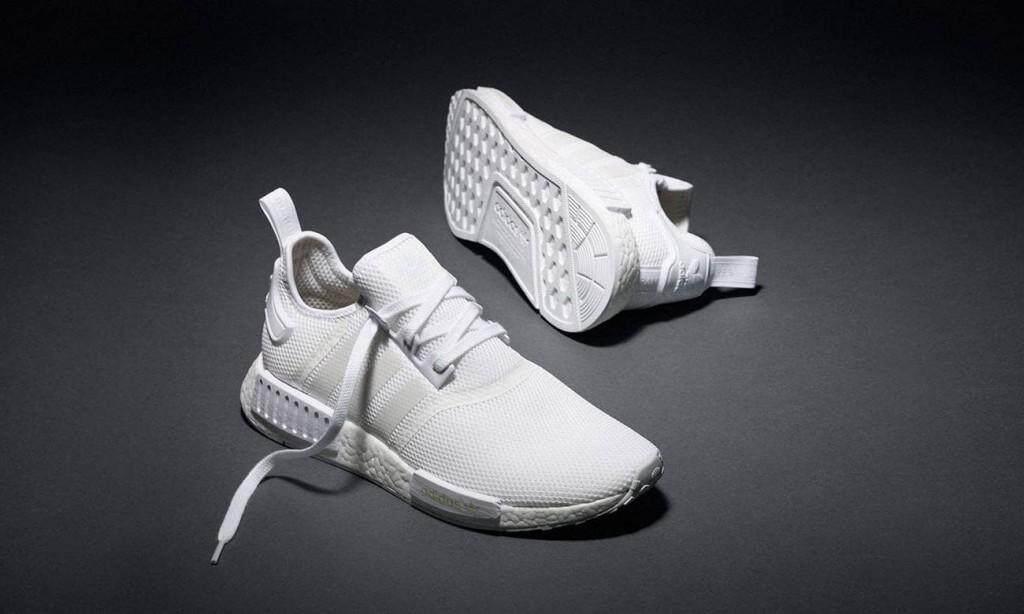 รองเท้าผ้าใบadidas nmdR1 ลดล้างสต๊อก