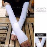ขาย Jetana Aqua X ปลอกแขนกันแดด ใส่แล้วเย็น สำหรับกิจกรรมกลางแจ้ง Cool Arm Sleeves Uv Protection สีขาว Free Size ใช้ได้ทั้ง ชายและหญิง ออนไลน์ ใน กรุงเทพมหานคร