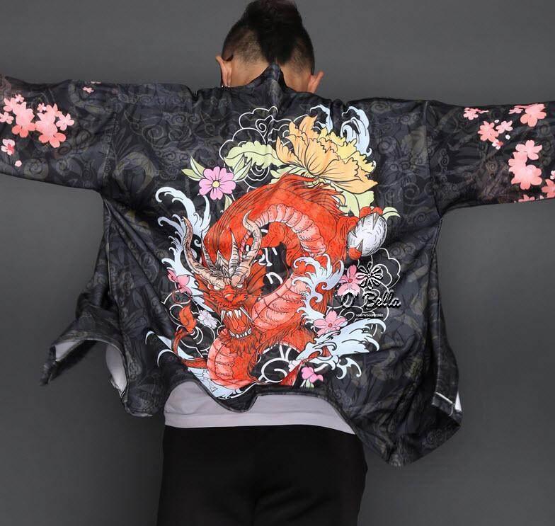 เสื้อคลุมญี่ปุ่นสำหรับผู้ชาย ลายมังกรแดง สไตล์กิโมโนลายสักชายสีแดง เสื้อคลุมแฟชั่น Men Japanese Yukata Coat Kimono Outwear Vintage Loose Top Red Dragon By Bunnydollgirl.