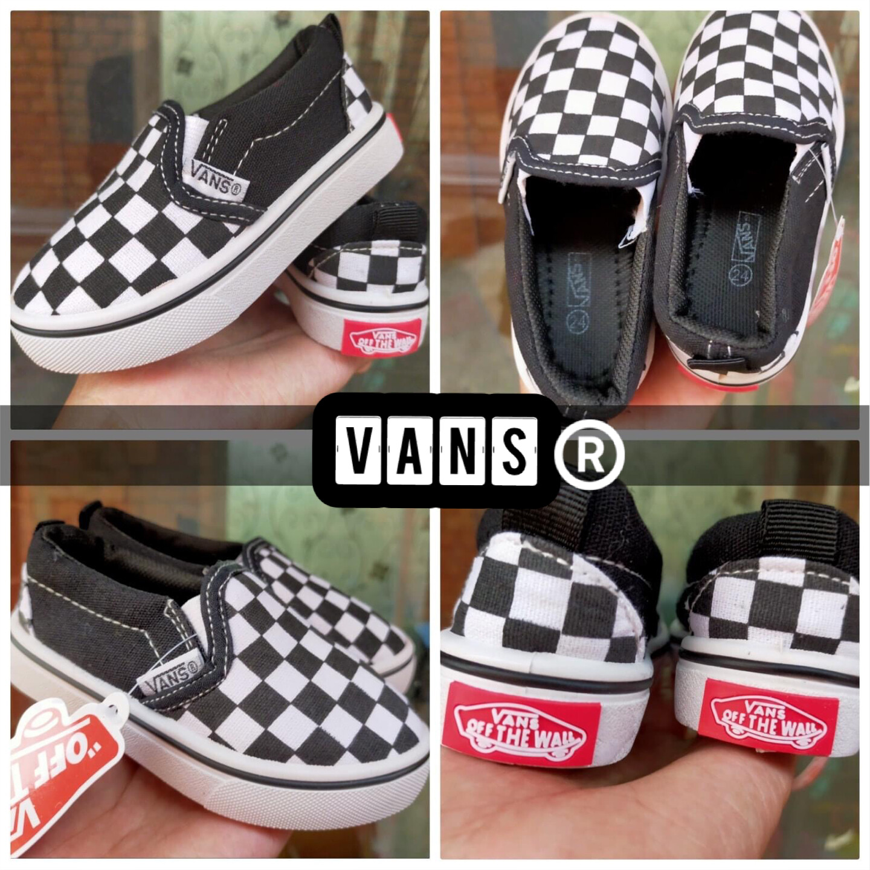 โปรโมชั่น Vans Slip on for Kids 1pair 339 baht shipping 30baht
