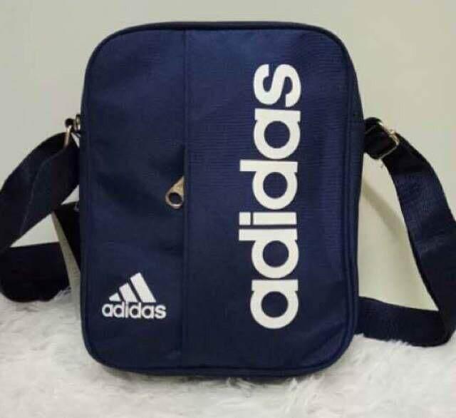 Adidas กระเป๋าแฟชั่น Adidas Unisex Fashion Bag.
