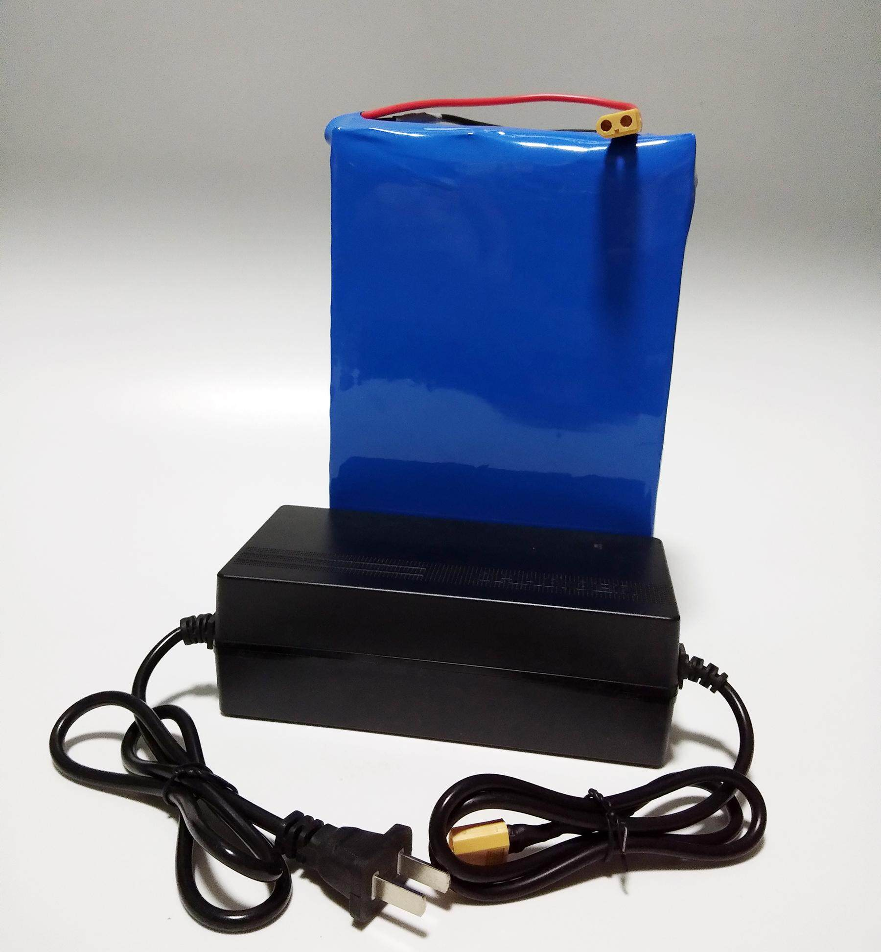 แบตเตอรี่ลิเธี่ยม(lifepo4 Battery Pack) 36v 13ah พร้อมที่ชาร์จแบตลิเธี่ยม42.2v2a By Thaipadmart.