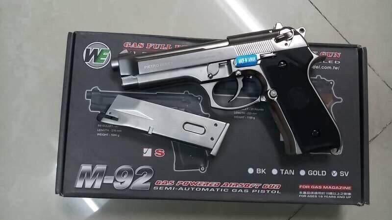 ปืนบีบีกันระบบแก๊ส We Beretta M92 สีเงินแถมลูกกระสุน ปืนสั้นระบบแก๊ส โหมดการยิงเซมิ ผลิตจากประเทศไต้หวัน ปืนอัดแก๊สโลหะ Bb Gun.