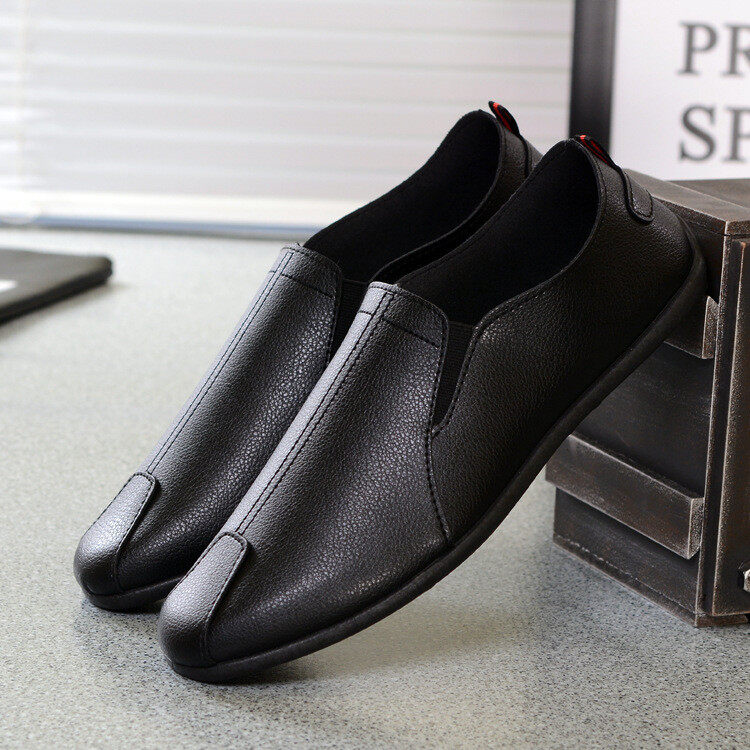 T Men's Casual Shoes รองเท้าลำลองผู้ชายรองเท้าส้นแบนแบบสบาย ๆ รองเท้าหนังสบายชาย รองเท้าหนังสุภาพบุรุษ รองเท้าหนังแท้ธุรกิจชาย รองเท้าถั่วหนังนุ่มลำลองชาย สี ดำ