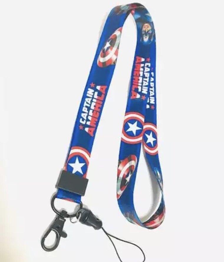 สายคล้องคอ สายคล้องบัตร ห้อยโทรศัพท์ สายแขวนบัตร ลาย กัปตัน อเมริกา Captain America น่ารัก มีก้ามปู มีห่วงเล็ก ถอดได้ ขนาดกว้าง 20 มิลลิเมตร ผลิตจากผ้า อย่างดี มีบริการเก็บเงินปลายทาง Npnn.