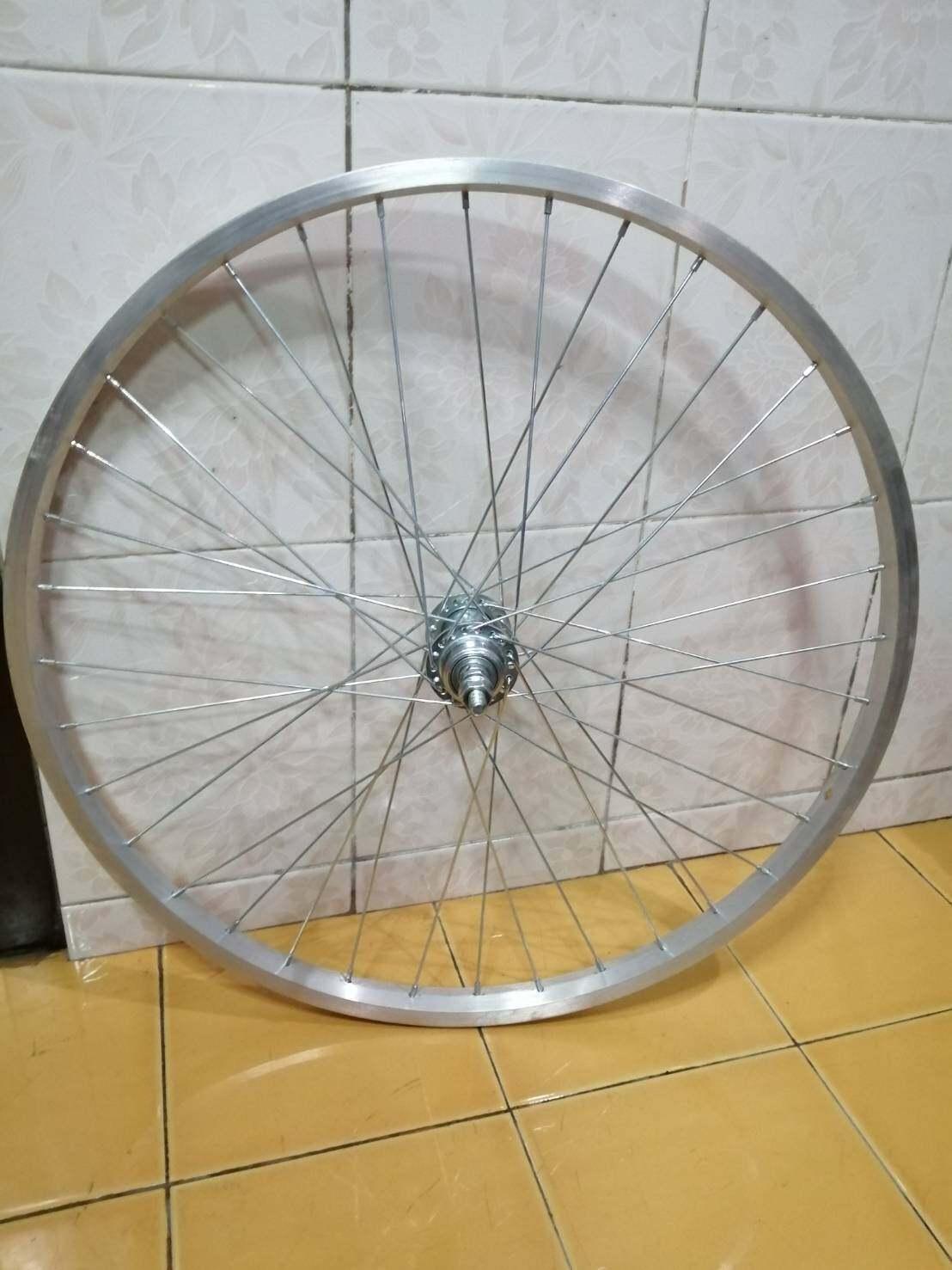 วงล้อหลังจักรยาน ขนาดวงล้อ 24นิ้ว ขอบล้อมีเนียม ดุมเหล็กชุบ ขึ้นเสร็จพร้อมใช้งาน.