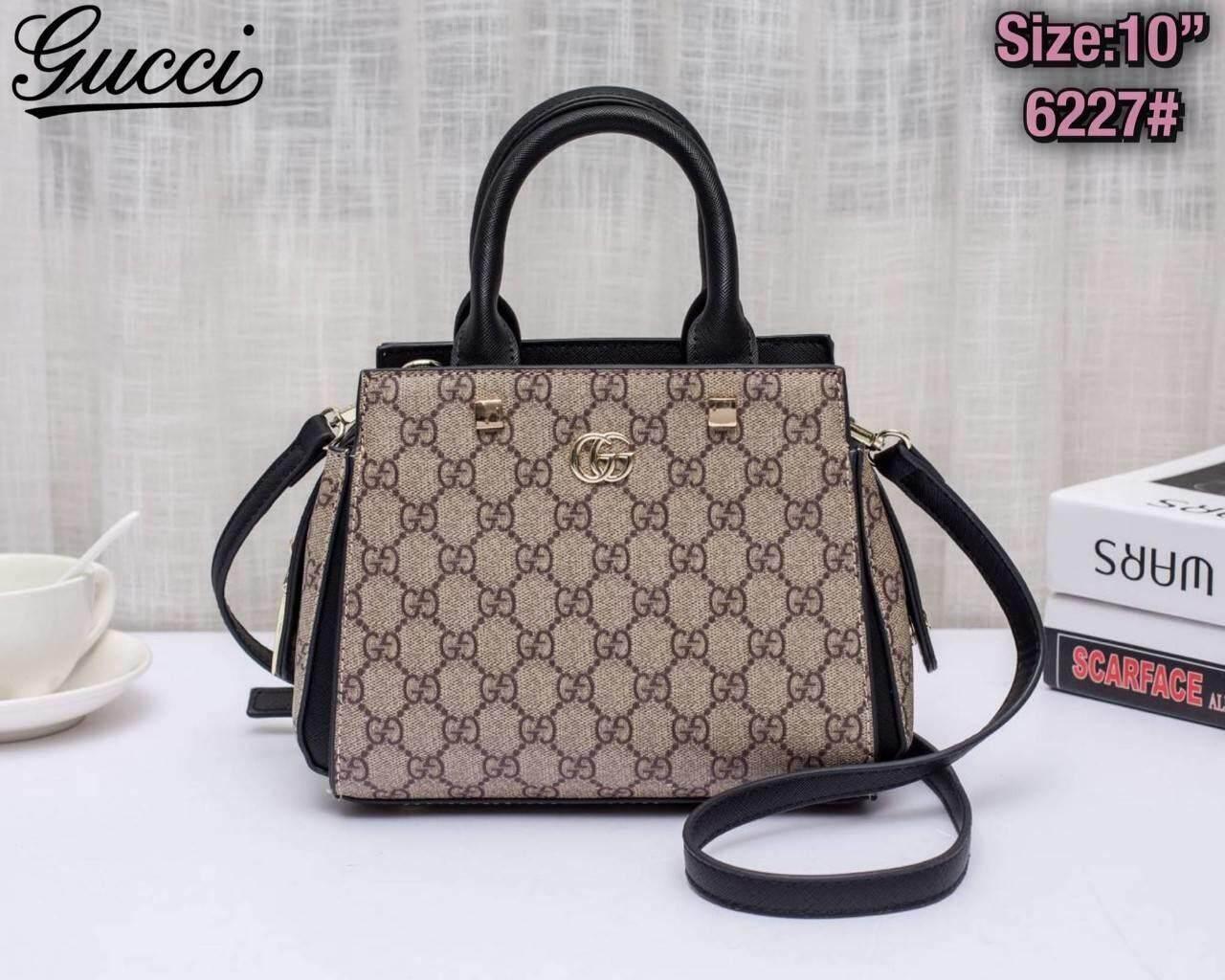 กระเป๋า   Gucci   10นิ้วโดยประมาณ อุปกรณ์ที่ได้ ถุงผ้า การ์ด.