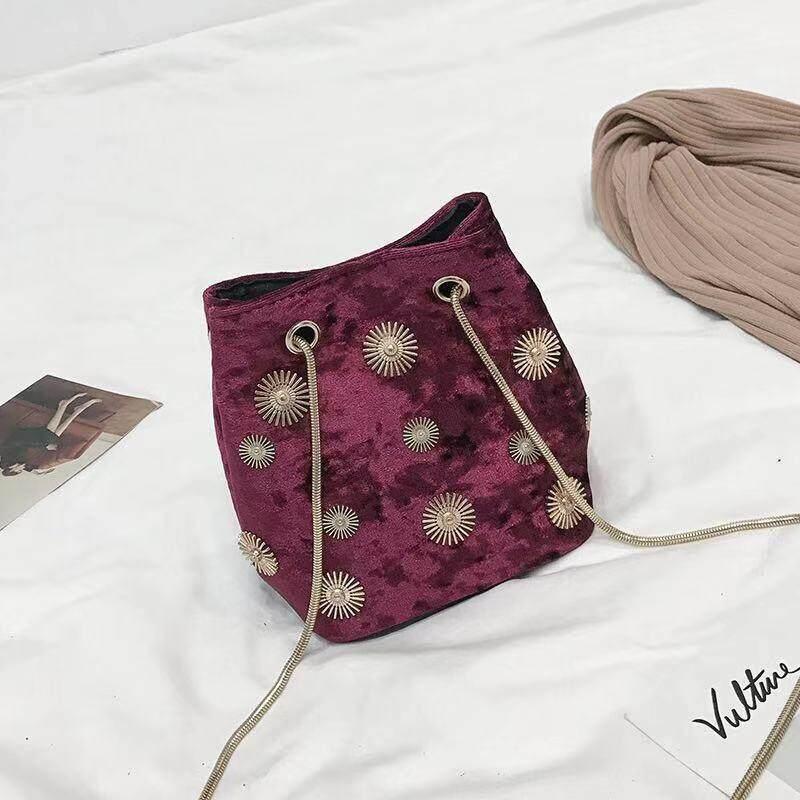 กระเป๋าสะพายข้างแฟชั่น มาใหม่ สีสวยๆ Xzk227.