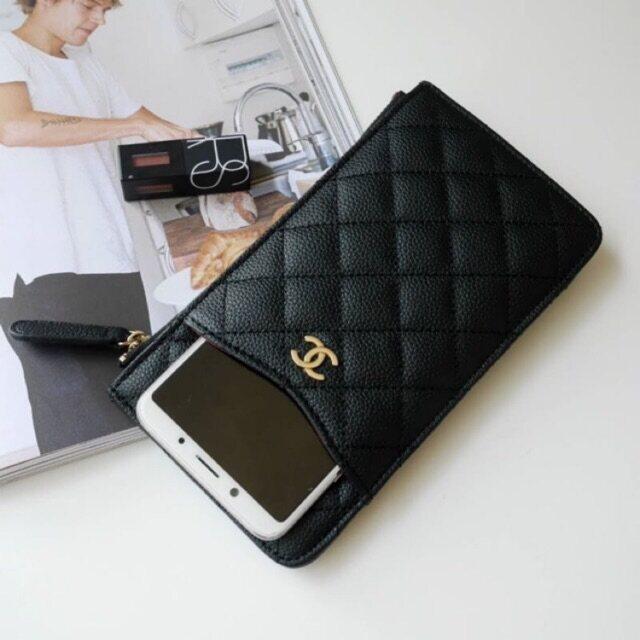 กระใส่บัตรและโทรศัพท์มือถือ Chanel Clutch Bag Gift ของ.
