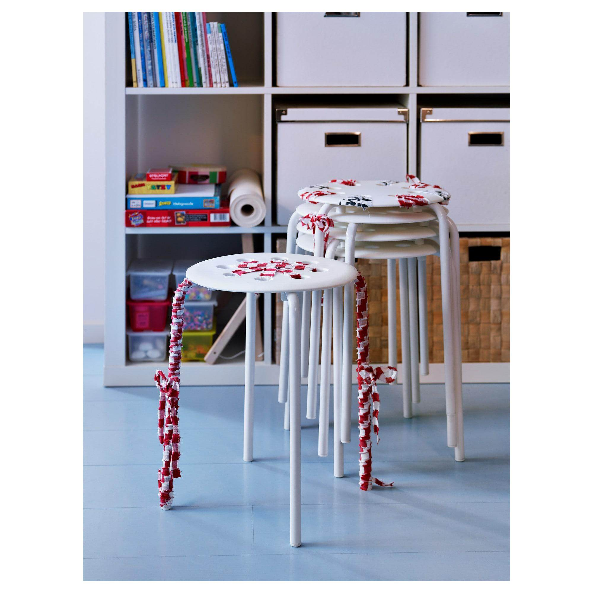 Marius มาริอุส เก้าอี้สตูล ขาว ซ้อนเก็บได้ By Tookstuta