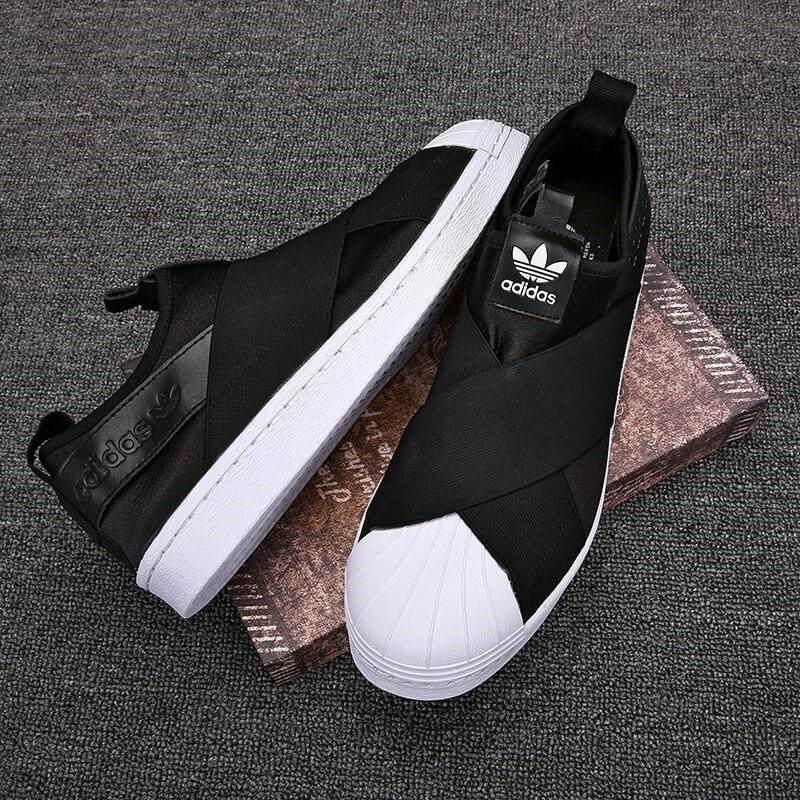 รองเท้าผ้าใบadidas Slip Onลดราคาล้างสต๊อค สวยตรงปก100%.