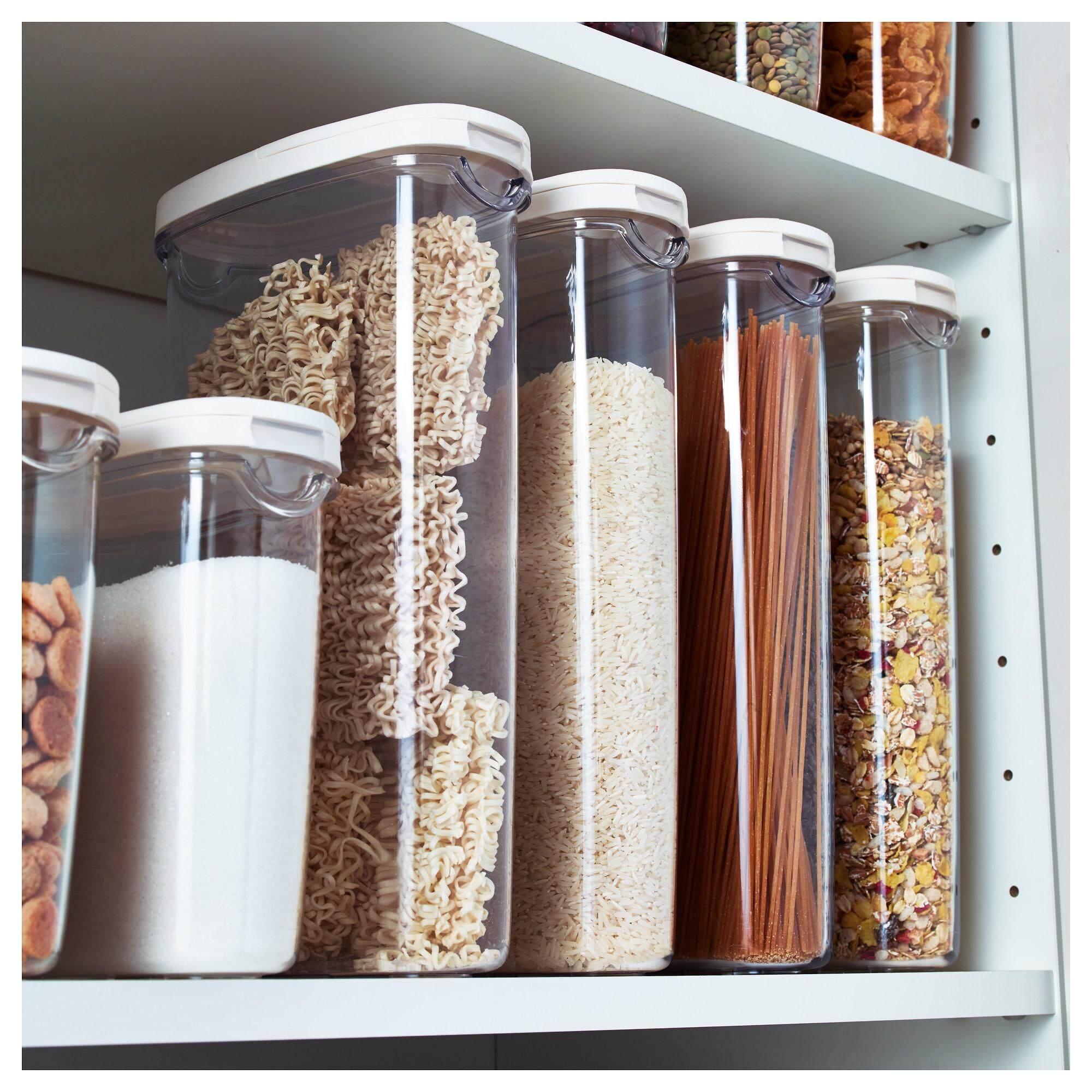 โปรโมชั่น Ikea 365+ อิเกีย 365+ กล่องใส่อาหารแห้งพร้อมฝา ใส เปิดฝาออกหมดเมื่อต้องการใส่อาหารลงในกล่อง และเลือกใช้ฝาเล็กด้านบนเมื่อต้องการเทอาหารออกออกแบบให้มีขนาดและรูปทรงเหมาะมือ จับถนัดเมื่อต้องการเทและคนไปพร้อมๆ By Vvs.