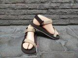 ราคา Kito รองเท้ารัดส้นผู้หญิง พื้นสีน้ำตาล สายคาดสีครีม Kito
