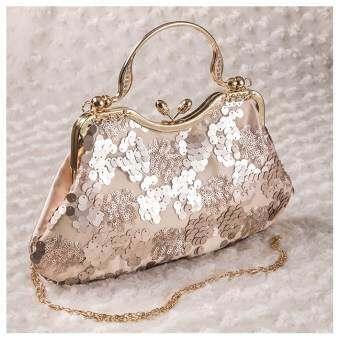 กระเป๋าออกงาน ทรงคุณหญิง ผ้าปักเลื่อม มีหูหิ้วประดับเพรช (สีแชมเปญ)