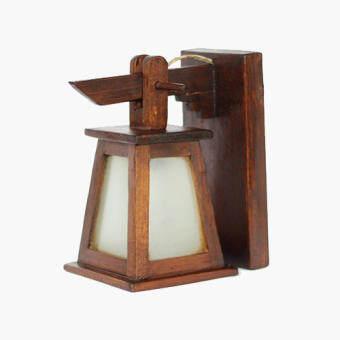โปรโมชั่น โคมไฟติดผนังทรงกระดิ่งสามเหลี่ยมติดกระจกสีขาวขุ่น ไม้สัก (สีน้ำตาล)
