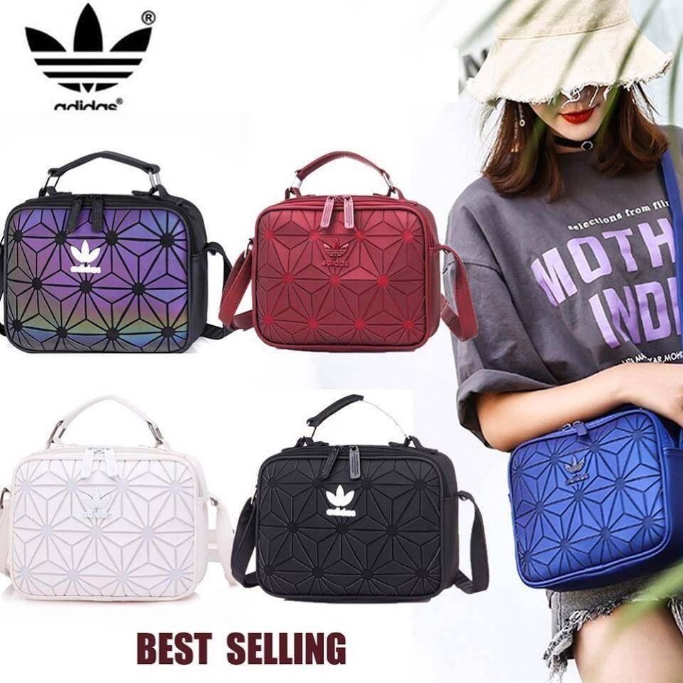 fd18d1a41cde70 รายละเอียดสินค้า Adidas Originals 3D Mini Airliner Style Shoulder Bag  กระเป๋าสะพายข้าง